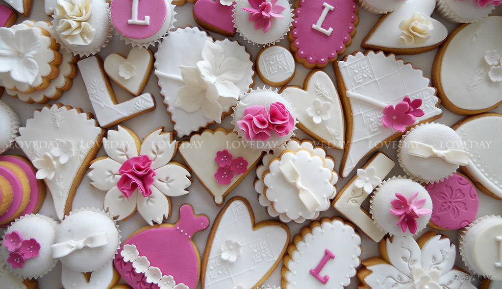 Cookies compleanno fucsia - sugar art Eventi by Loveday